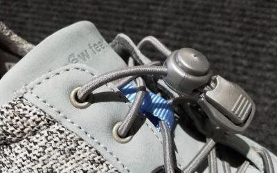 New Feet-joustokengännauhan pää saattaa vedettäessä jäädä käteen, ja niin sen kuuluukin jäädä – Näin saat pään auki